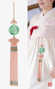 Pin on Interior Pin on Interior Korean Traditional Dress, Traditional Dresses, Korean Outfits, Retro Outfits, Korean Accessories, Korea Dress, Korean Jewelry, Korean Hanbok, Clothing Patterns