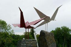 【日本人は知らない】チェルノブイリには福島に対する祈りと想いを込めた「折り鶴の像」が建てられている