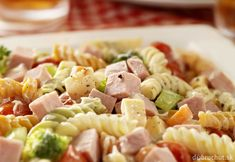 Pasta salad for children: recipe for children's birthday - food Popular Appetizers, Appetizers For Party, Brocoli Salad Recipe, Creamy Cauliflower Sauce, Pasta Salat, Avocado Pasta, Appetizer Dips, Grilling Recipes, Kids Meals