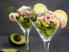 Katkarapu-avokadococktail - Reseptit Cobb Salad, Potato Salad, Tapas, Food And Drink, Appetizers, Keto, Ethnic Recipes, Party Time