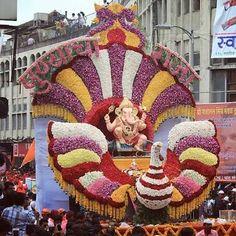 Wedding Pictures Decor For Home Display Ideas Flower Decoration For Ganpati, Flower Decorations, Wedding Decoration, Pune Ganpati, Lord Ganesha, Jai Ganesh, Shree Ganesh, Ganesh Chaturthi Decoration, Ganpati Festival