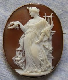 "Victorian Carved Bullmouth Helmet Shell Cameo Depicting The Greek Lyric Poetess ""Sapph"" - Probably Italian   c.1850-1860"