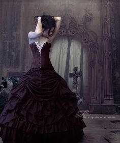 great goth wedding dress or even halloween romantic couture or vampire inspired photo shoot