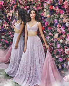 Pretty Lehenga Blouse Designs To Jazz Up Your Bridal Look Indian Lehenga, Indian Gowns, Indian Attire, Lehenga Choli, Lehenga Blouse, Indian Wedding Lehenga, Floral Lehenga, Bollywood Lehenga, Blue Lehenga