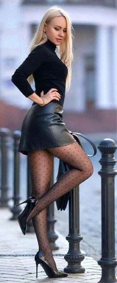 Pantyhose Outfits, Nylons, Sexy Outfits, Cute Outfits, Fashion Tights, Tights Outfit, Women Legs, Sexy Women, Girls In Mini Skirts