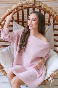Moderný ružový oversize sveter Modeling, Outfit, Stars, Outfits, Modeling Photography, Models, Kleding, Clothes