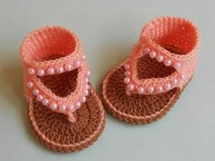 How to Crochet Baby Sandals Design Wie Baby Sandalen Design häkeln Crochet for Babies Feet (Visited 14 times, 1 visits today) Crochet Baby Sandals, Crochet Shoes, Crochet Slippers, Booties Crochet, Crochet Dolls, Beaded Crochet, Crochet For Beginners, Crochet For Kids, Free Crochet