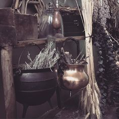 Witchy~Woo- cauldron and herbs Witch Cottage, Witch House, Coven, Wiccan, Witchcraft, Images Esthétiques, Kitchen Witchery, Season Of The Witch, Witch Aesthetic