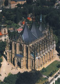 Barbara's Church in Kutna Hora, Czech Republic. Roman Catholic church begun in but not completed until Religious Architecture, Gothic Architecture, Beautiful Castles, Beautiful Places, Roman Catholic, Catholic Churches, Church Pictures, Prague Czech Republic, Chapelle