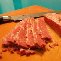 http://culinaryarts.about.com/od/beefporkothermeats/r/Corned-Beef-Recipe.htm