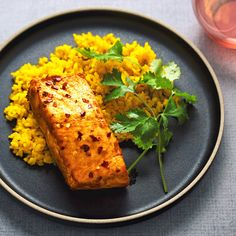 Spicy roast salmon and turmeric rice — A fork and a pencil Qinuoa Recipes, Fish Recipes, Seafood Recipes, Healthy Recipes, Speedy Recipes, Recipies, Salmon And Rice, Spicy Salmon, Roasted Salmon