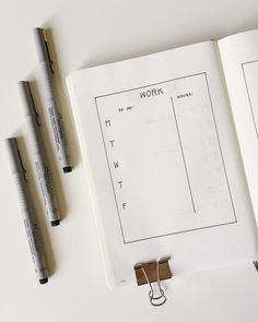 51 Of The Best Minimalist Bullet Journal Spreads : You Need To See This! Bullet Journal Period Tracker, Bullet Journal First Page, Bullet Journal Index, Bullet Journal Banner, Bullet Journal Hacks, Bullet Journal Ideas Pages, Bullet Journals, Junk Journal, Bullet Journal Weekly Spread Layout