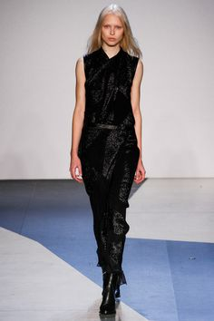 Helmut Lang Fall 2013 Ready-to-Wear Collection Slideshow on Style.com