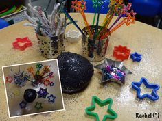 Bonfire Night - Stimulating Learning Firework dough from Rachel (,) Bonfire Night Activities, Bonfire Night Crafts, Autumn Activities, Diwali Eyfs, Firework Colors, Firework Safety, Fireworks Pictures, Funky Fingers, Playdough Activities