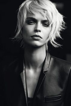 23 short shag hairstyles- 23 Kurze Shag-Frisuren The natural texture of your brings some freshness to your style. But can you get the natural texture in your hair? Some people make it very easy and other women make an effort to … - Short Shag Hairstyles, Short Hairstyles For Women, Short Shaggy Haircuts, Shaggy Short Hair, Short Wavy, Fine Hair, Wavy Hair, Hair Shag, Thick Hair