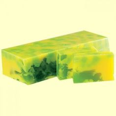 Handmade soap with shea butter, green tea and grapefruit. Perfect for dry and sensitive skin. Handmade Cosmetics, Home Made Soap, Natural Cosmetics, Grapefruit, Shea Butter, Sensitive Skin, Lotion, Manual, Homemade