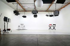 Trendy Home Studio Photography White Desks Ideas Film Studio, Video Studio, Production Studio, Video Production, Photography Studio Spaces, Photography Studios, Photography Equipment, Light Photography, Digital Photography