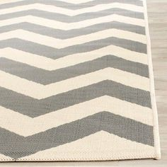 Elvas 2'3 X 12' Runner Outer Patio Rug - Gray / Beige - Safavieh