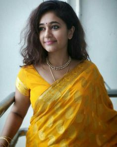 Beautiful Girl Indian, Most Beautiful Indian Actress, Beautiful Girl Image, Beautiful Saree, Hollywood Actress Pics, Hollywood Heroines, Tamil Actress Photos, Bollywood Actress Hot Photos, Sonam Kapoor