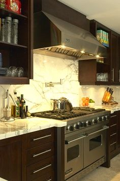 Contemporary kitchen designed by CMID www.cmidesign.ca #CMID
