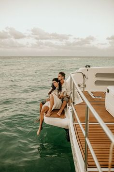Get ready to pin every photo from this luxe bohemian yacht wedding inspiration   Image by Luxart Wedding Studio Yacht Wedding, Elopement Inspiration, Luxury Yachts, Wedding Blog, Engagement Photos, Photo Ideas, Vibrant Colors, Wedding Decorations, Tropical