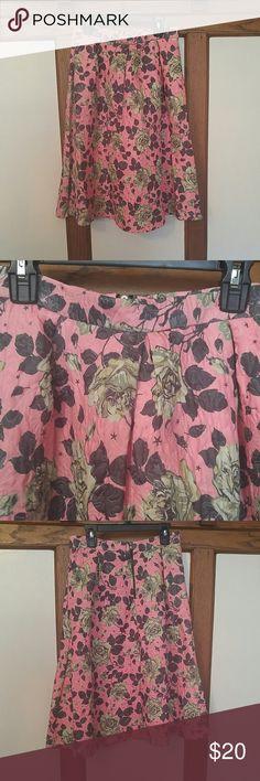 Forever21 skirt Zips in the back.  Side pockets Forever 21 Skirts Midi