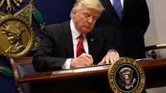 Trump is not able to do his job as president. German SZ: Der US-Präsident weiß offenbar nicht, was er tut. Trump glaubt, ein Land führe man wie ein Privatunternehmen. So stürzt er die USA ins Chaos.
