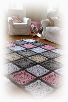 This Pin was discovered by Iré Tapetes Diy, Knitting Patterns, Crochet Patterns, Knit Rug, Rug Inspiration, Cross Stitch Borders, Crochet Squares, Handmade Rugs, Handicraft