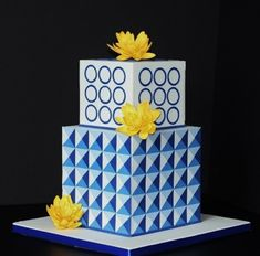 Geometric Cake With Lotus Flowers This cake was inspired by fellow CC member. Small Wedding Cakes, Floral Wedding Cakes, Beautiful Wedding Cakes, Wedding Cake Designs, Beautiful Cakes, Art Deco Cake, Cake Art, Fondant Cakes, Cupcake Cakes