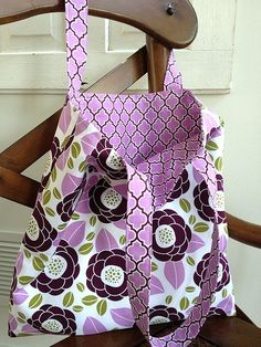 Tutorial Tuesday ~ My Go-to Tote Bag | http://fabricshopperonline.com/tote-bag-tutorial/