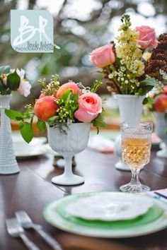 Southern-stlyed-wedding-georgia-jekyll-island-peaches-in-bouquet-table-settings-decorations-peach-green-mint-pink-white-mil-glass-vintage-romantic-outdoor-reception-wedding
