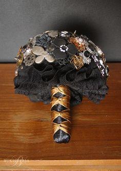 Steampunk brooch wedding bouquet by Bukieteria (PL)