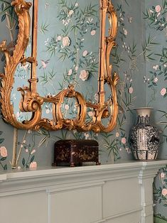 Grandmillennial style has been described as granny chic and cluttered. But a true grandmillennial knows it's just an updated take on all the things we love. Country Interior, Trellis Pattern, Granny Chic, Fabric Houses, Modern Farmhouse Style, Love Home, Home Decor Trends, Chinoiserie, Decoration