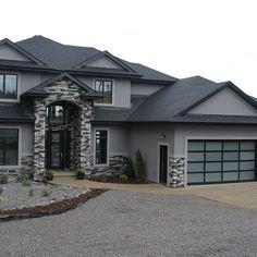 best farmhouse front porch design ideas for your farmhouse 9 > Fieltro.Net 46 Best Farmhouse Front Porch Design Ideas For Your Farmhouse > Fieltro. Stucco Exterior, Design Exterior, Stucco Homes, Exterior Paint, Exterior Houses, Gray Exterior, Ranch Exterior, Dream Home Design, Modern House Design
