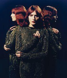 Primeiro registro em DVD da maior banda indie do momento. Esta coleção de gravações acústicas mostra o talento único de Florence Welch, vocalista, ao lado de sua banda e de um coro gospel de 10 pessoas de NY.