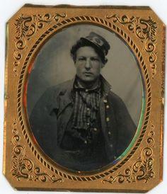 Civil-War-Soldier-with-Revolver-in-Belt-Tintype