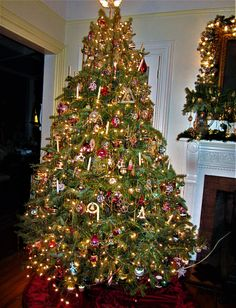 CHRISTMAS 2016 - Our 9ft fresh Christmas Tree - with 450 + ANTIQUE/VINTAGE Glass Ornaments.