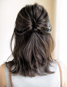Pinspiratie: zo maak jij je halflange coupe fresh & fruity - Jani - Lilly is Love Unique Hairstyles, Pretty Hairstyles, Braided Hairstyles, Wedding Hairstyles, Hairstyle Ideas, Bangs Hairstyle, Everyday Hairstyles, Mid Length Hairstyles, Latest Hairstyles