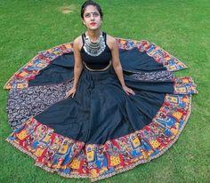 chaniya choli designs for navratri Choli Blouse Design, Choli Designs, Blouse Designs, Garba Dress, Choli Dress, Lehenga Choli, Saree, Indian Evening Gown, Indian Gowns
