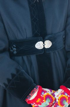 Norwegian Biedermeier wintercoat - wool & velvet, love this Folklore, Scandinavian Folk Art, Fairytale Fashion, Folk Costume, Fashion Details, Norway, What To Wear, Personal Style, Vintage Fashion