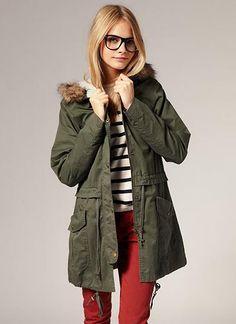 Parka, we meet again. I kinda want one. Asos, Winter Stil, Parka Coat, Capsule Wardrobe, Autumn Winter Fashion, Winter Wear, Mantel, Fashion Forward, Womens Fashion