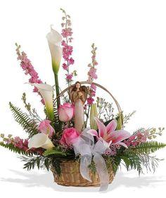 Basket design using personal item as focal point Basket Flower Arrangements, Altar Flowers, Funeral Flower Arrangements, Church Flowers, Beautiful Flower Arrangements, Funeral Flowers, Beautiful Flowers, Deco Floral, Arte Floral