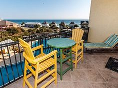 """""""Beach Resort Unit 506"""" ,Covered Parking, Top Floor, Zero Entry Pool, Beach Service Included !!!!"""