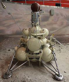 1970년 달의 흙을 퍼서 지구로 가져온 소련의 루나 16호