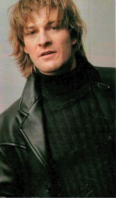 Sean Bean......in younger days...well HELLO there sweet thing....