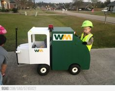Halloween costume ideas for babies in carseats, strollers, or other things with wheels - Rookie Moms Wagon Halloween Costumes, Wagon Costume, Stroller Costume, Hallowen Costume, Halloween Kostüm, Holidays Halloween, Costume Ideas, Homemade Halloween, Zombie Costumes