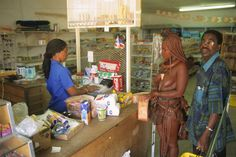 shopping himba lady