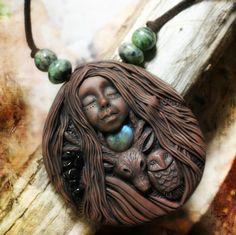 Spirit Animal Necklace with Labradorite.