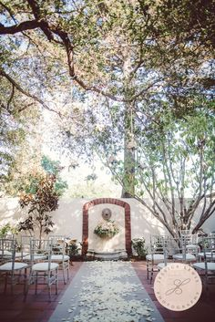 A beautiful Santa Barbara wedding at Belmond El Encanto. By Jessica Lewis Photography @jessicalewis1.