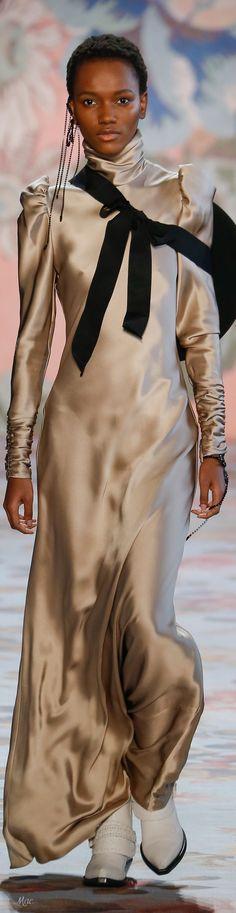 Fall 2018 RTW Zimmermann Women's Runway Fashion, Dope Fashion, Fashion 2018, Party Fashion, Couture Fashion, Fashion Outfits, Fashion Trends, Modern Fashion, Classy People